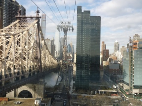 Air Tramway to Roosevelt Island NYC - by cookingtrips.wordpress.com
