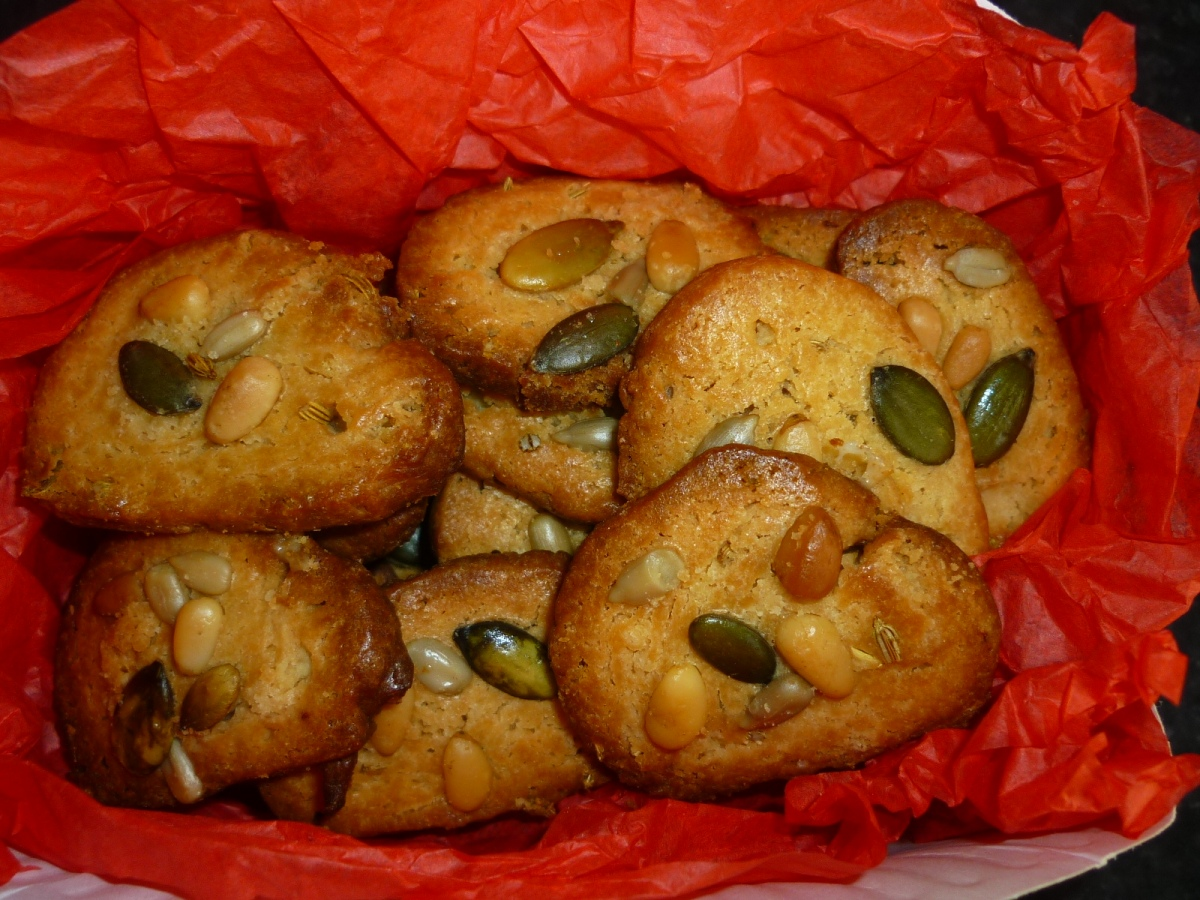 Fennel Seeds, Pine Nuts and Sunflower Seeds Shortbread Cookies